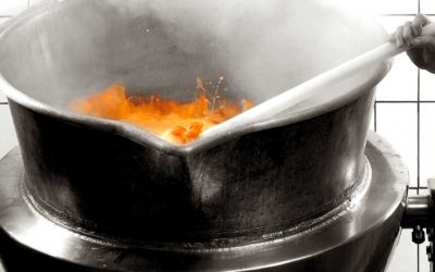 Cooking in copper pans, tradition and modernity