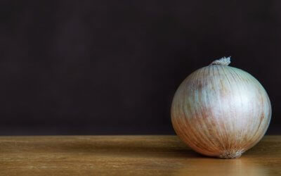 Why is onion confit indispensable for the end of year festivities ?